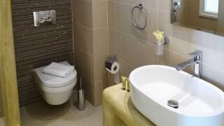 deluxe rooms anassa suites bathroom