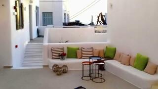 facilities anassa suites lounge